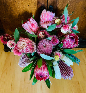 Deluxe Native Bouquet with Woodsoak Blanc de Noirs