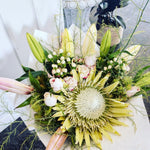 Flowers - Luxurious - Bouquet of the Week