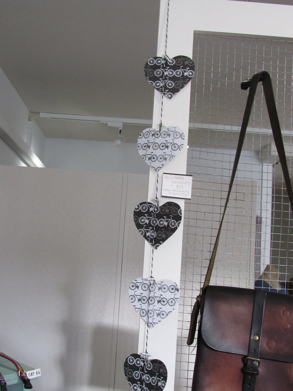 Adjustable Paper Heart Garland - Bikes