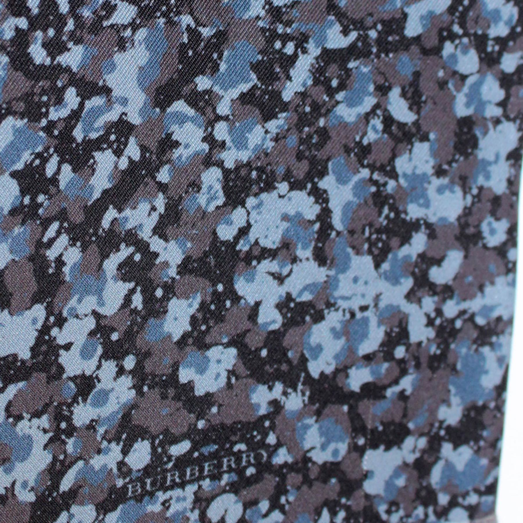 Burberry Scarf Dark Blue Gray Black Floral - Silk Shawl
