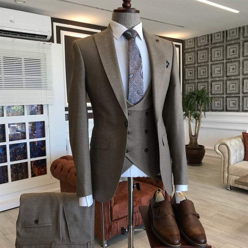 Riccardo Vizon Slim-Fit Suit