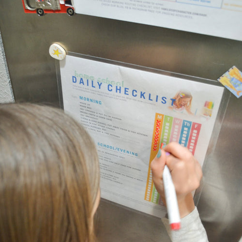 DOWNLOADABLE: KID'S HOME SCHOOL DAILY CHECKLIST
