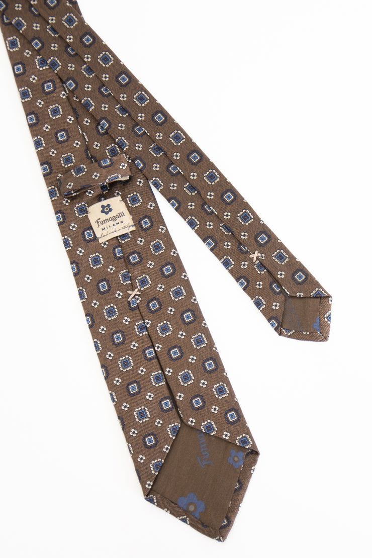 BROWN,BLUE & WHITE ABSTRACT PATTERN JACQUARD SILK TIE