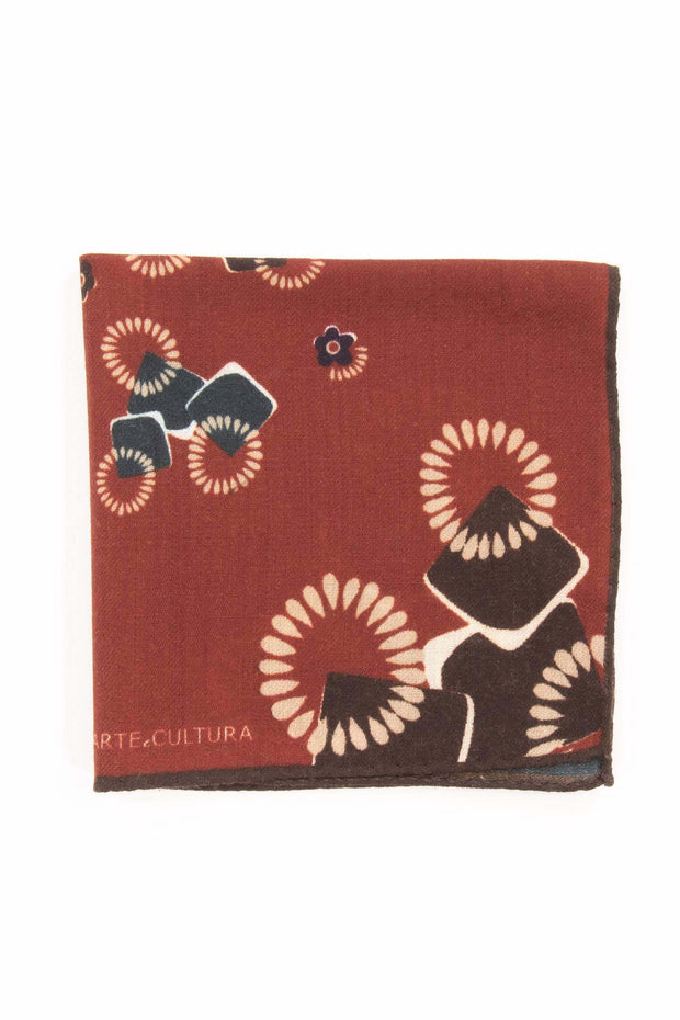 detail of the design of a bent over pocket square