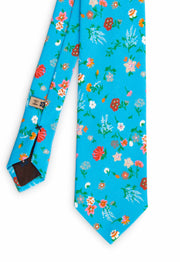 frontal view of the floreal printed hand made tie