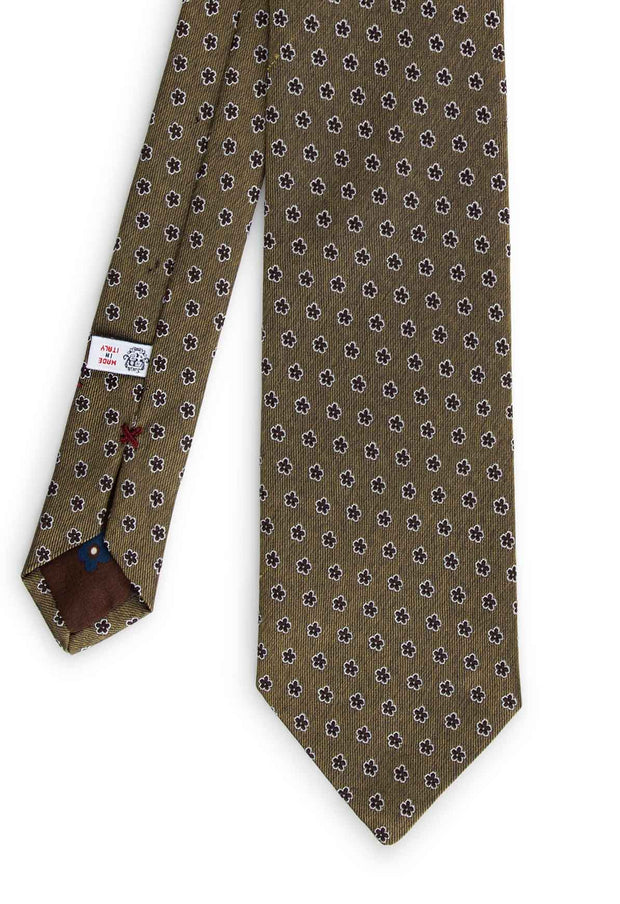 the total look of thehand made tie pattern with black flower design