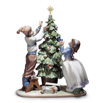 Lladro Porcelain Trimming The Tree Figurine Figurines Lladro