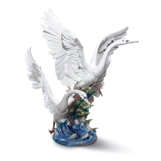 Lladro Porcelain Swans Take Flight Figurine Figurines Lladro