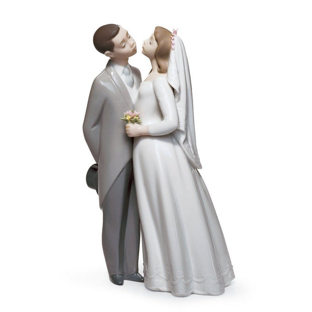 Lladro Porcelain A Kiss To Remember Figurine Figurines Lladro