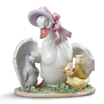 Lladro Porcelain The Ugly Duckling Figurine Figurines Lladro