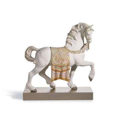 Lladro Porcelain A Regal Steed Figurine Figurines Lladro