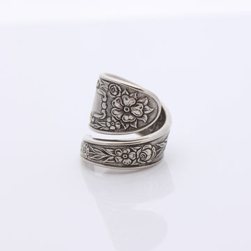 Antique Silver Wrap Around Ring (Size O)