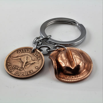 Australian Diggers Slouch Hat One Penny with Half Penny Key Ring