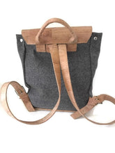 201939 Backpack made of cork & Burel