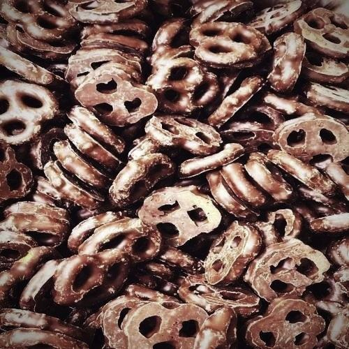 Dark Chocolate Pretzels, 1/4 lb