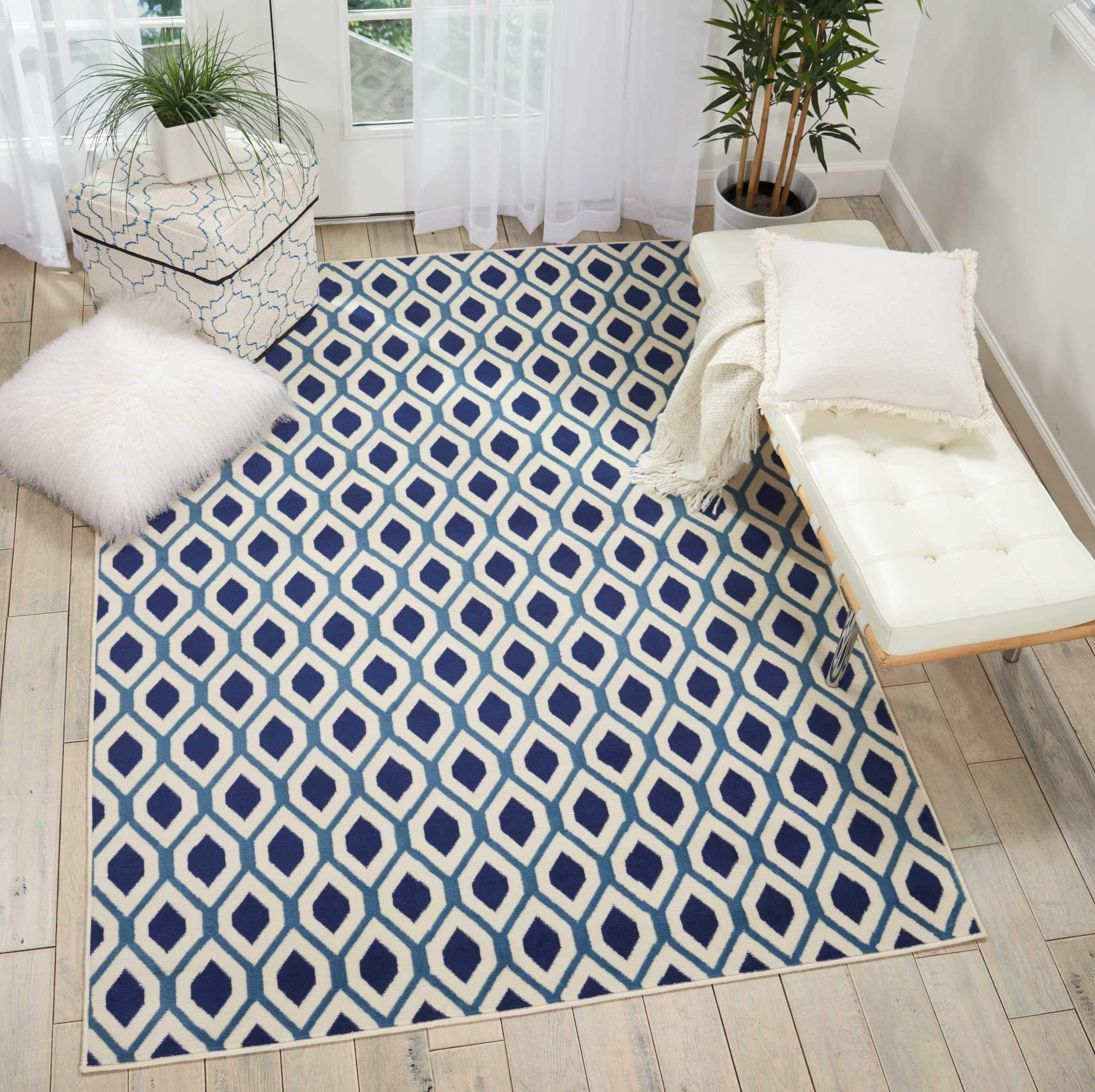 Picture of: Grafix Grf22 White Navy Area Rug The Rug Truck