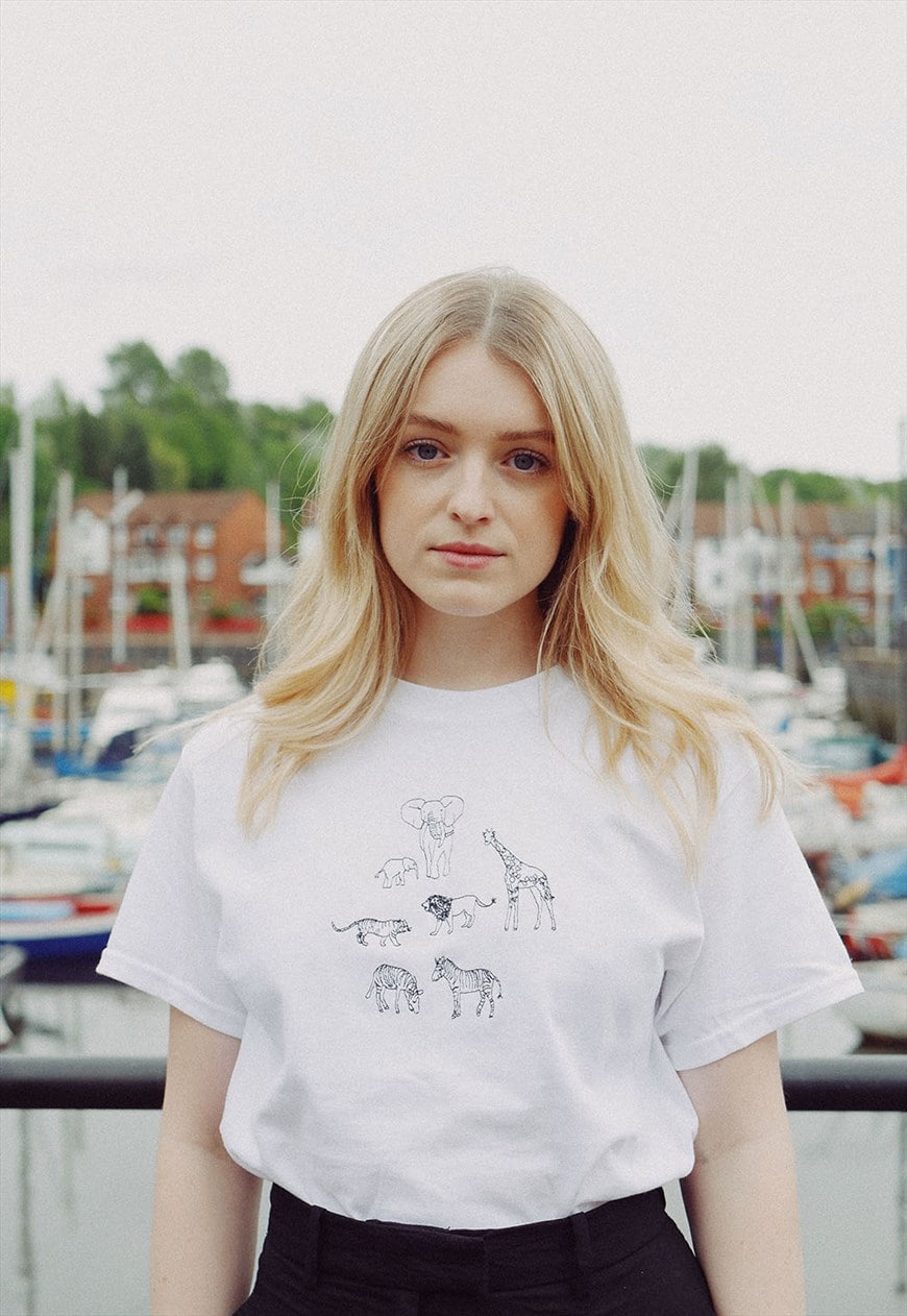 t-shirt in white with safari animal embroidery