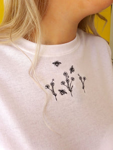 t-shirt with floral bee embroidery