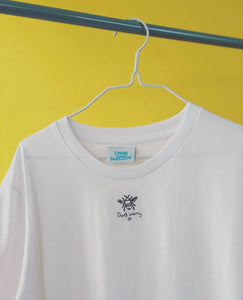 Organic t-shirt embroidered Don't worry bee tee