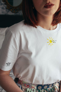Organic t-shirt embroidered everything will be ok sun tee