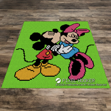 Load image into Gallery viewer, Mickey and Minnie Hugging