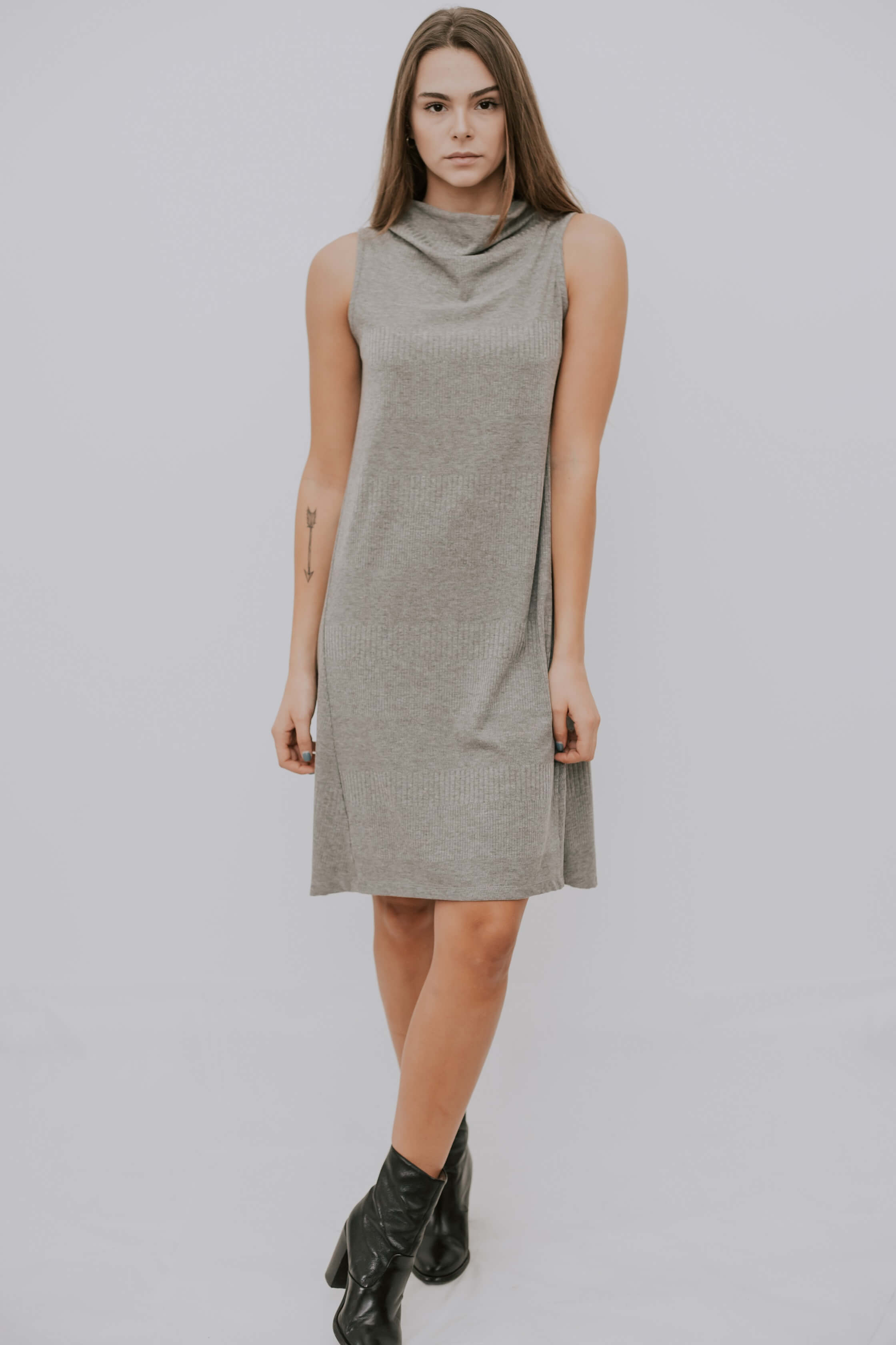 KAMILA DRESS - LIGHT GRAY