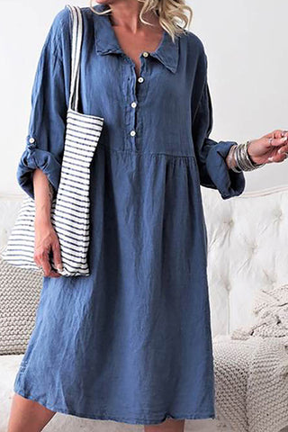 A Casual Long-Sleeved Casual Dress