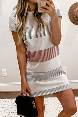 Round Neck  Stripes  Short Sleeve Casual Dresses