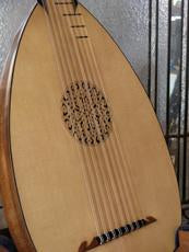 Custom Lutes by Bernie Lehmann
