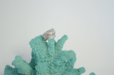 Silver Sea Bubbles Ring with Olivine CZ Stone