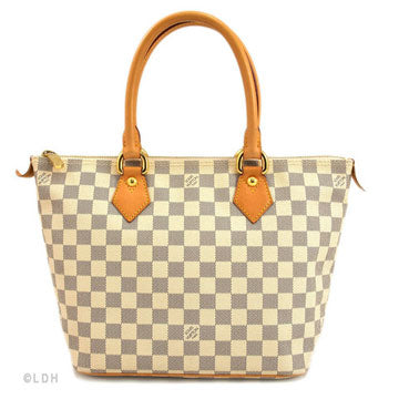 2ec9ff09ddb LuxeDH Guide to Buying Pre-Owned Handbags   LuxeDH