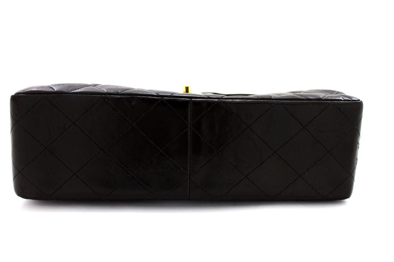 CHANEL Black Quilted Lambskin Large Classic Flap (SHB-10297)