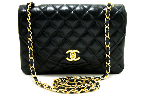 Chanel Black Quilted Lambskin Half Moon Single Flap (SHB-10109)