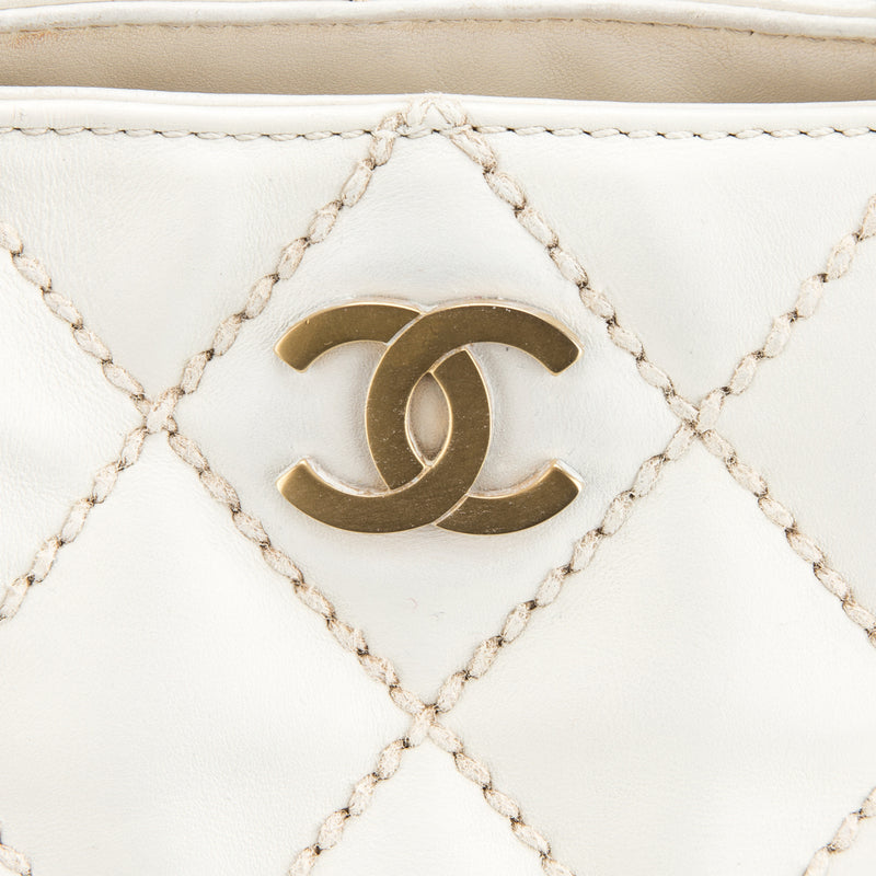 Chanel White Tote Leather Handbag (Authentic Pre Owned)