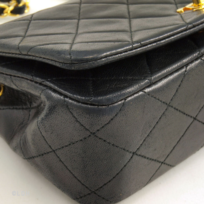 Chanel Black Quilted Lambskin Single Flap (Authentic Pre Owned)