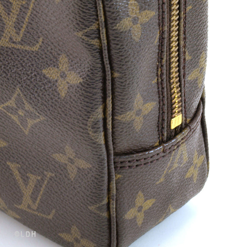 Louis Vuitton Cosmetic Case (Authentic Pre Owned)