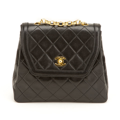Chanel Black Lambskin Single Flap Bag (Authentic Pre Owned)