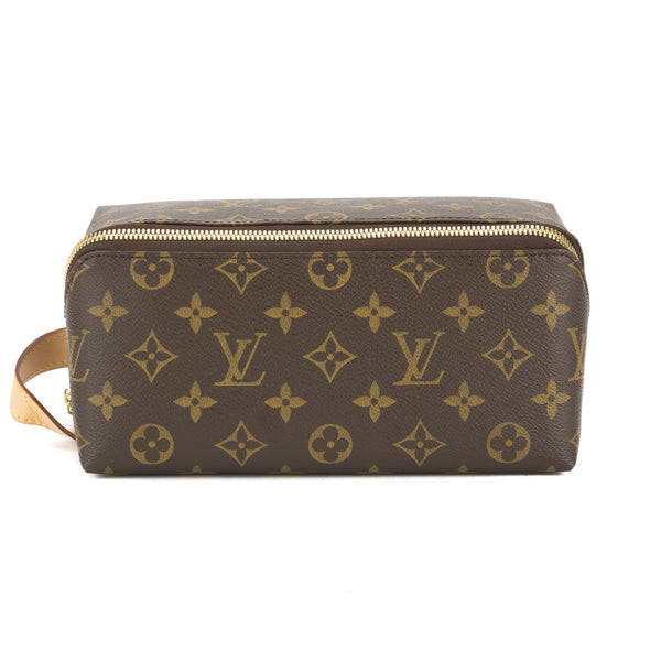 d167ad00e317 Louis Vuitton Monogram Shoe Care Kit (Pre Owned) - 3316008