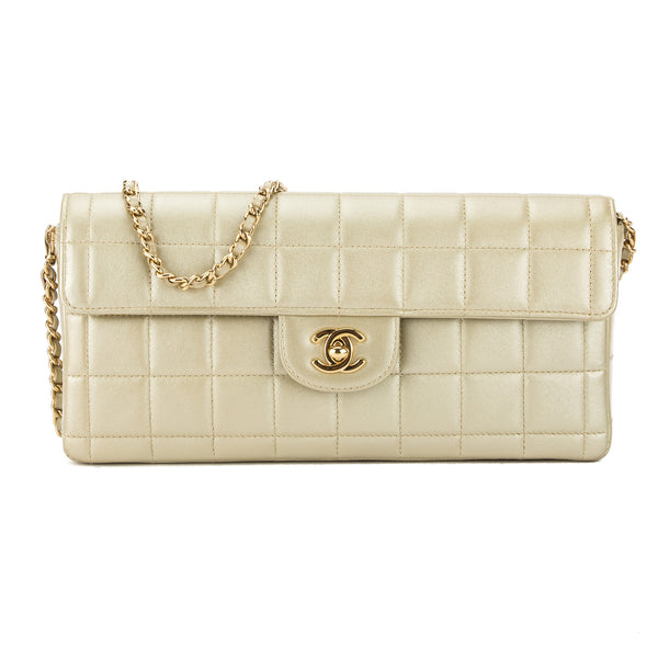 5f4824300c5962 Chanel Gold Metallic Calfskin Leather Chocolate Bar Chain Clutch Bag Pre  Owned