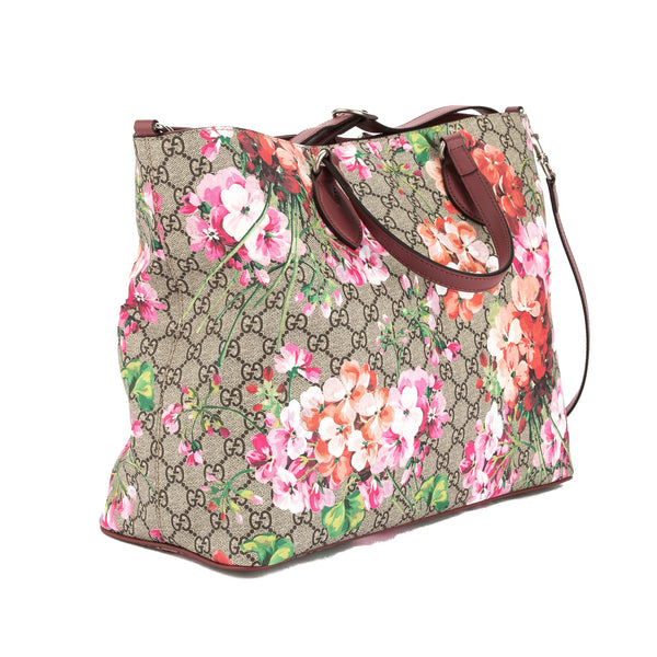 e3b453a95b13d2 ... Gucci Soft GG Supreme Canvas Blooms Tote Bag (New with Tags) ...