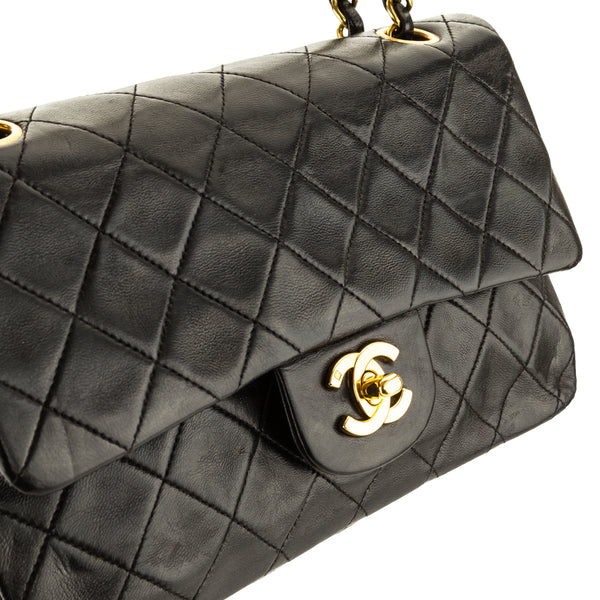 Chanel Black Quilted Lambskin Small Classic Flap (3951001)
