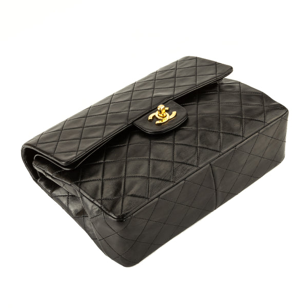 Chanel Black Quilted Lambskin Medium Classic Flap (3974003)