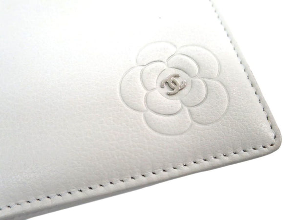 Chanel White Calfskin Leather Camellia Wallet Long (SHA-10739)
