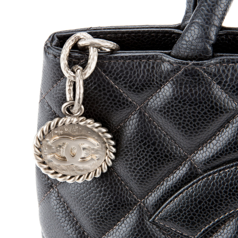 Chanel CC Black Medallion Caviar Shoulder Bag (Authentic Pre Owned)