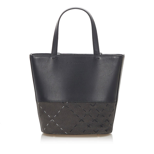 Burberry Leather Handbag (SHG-18820)