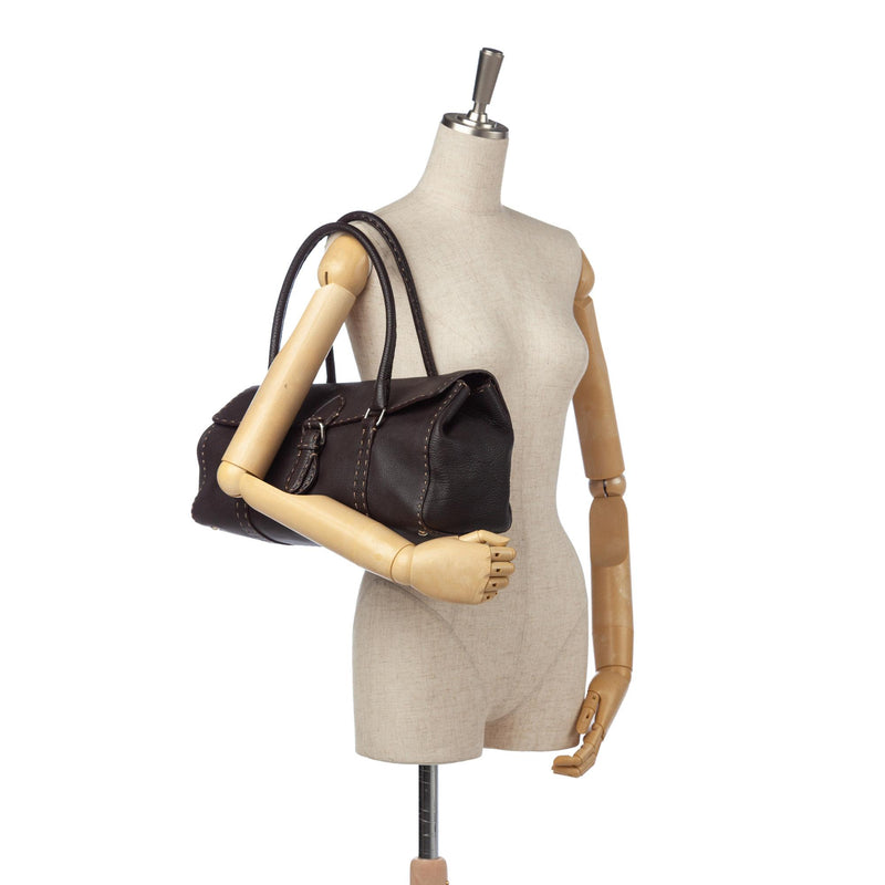 Fendi Selleria Linda Leather Shoulder Bag (SHG-12306)