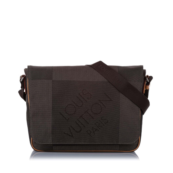 Louis Vuitton Damier Geant Terre Messenger Bag (SHG-14766)