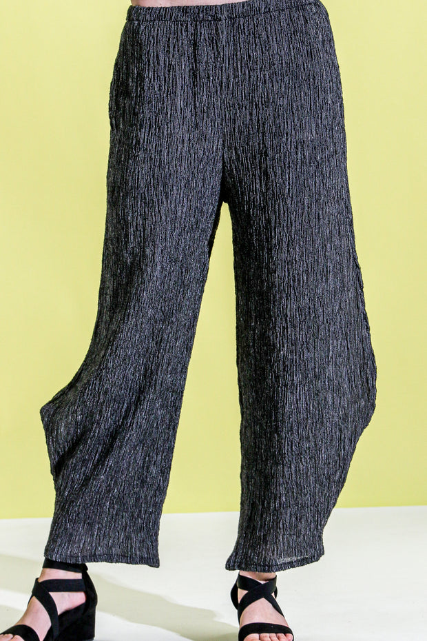 Khangura Straight Leg Stylish Comfy Pull-On Pants in High-End Linen Blend USA-Made. Contemporary Crinkled Natural Fiber Classy Pants in Black and White Pinstripes.