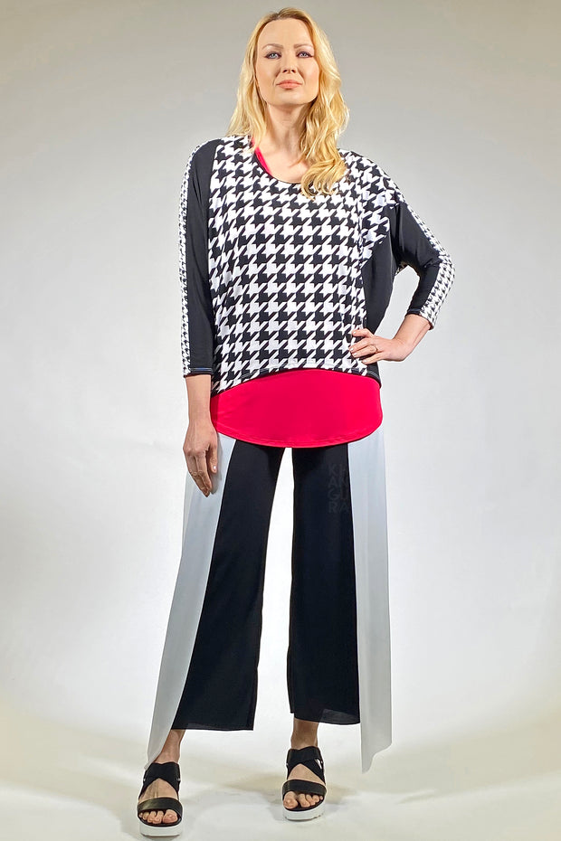Diamond Cut Style Top - houndstooth black