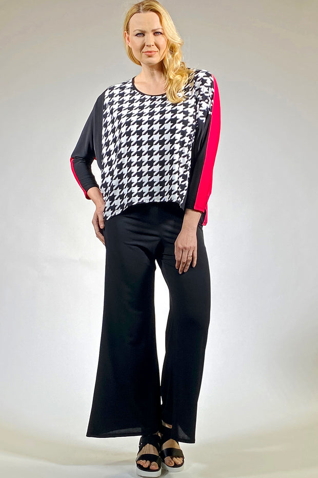 Diamond Cut Style Top - houndstooth petunia